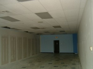 4609greatnorthernblvd_interior.jpg
